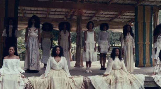Beyonce and dancers in Lemonade music video.jpg